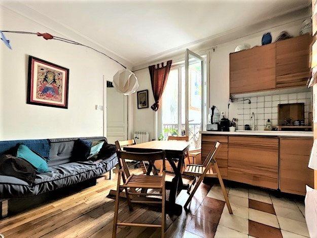 Appartement à vendre 3 46m2 à Paris 10 vignette-1