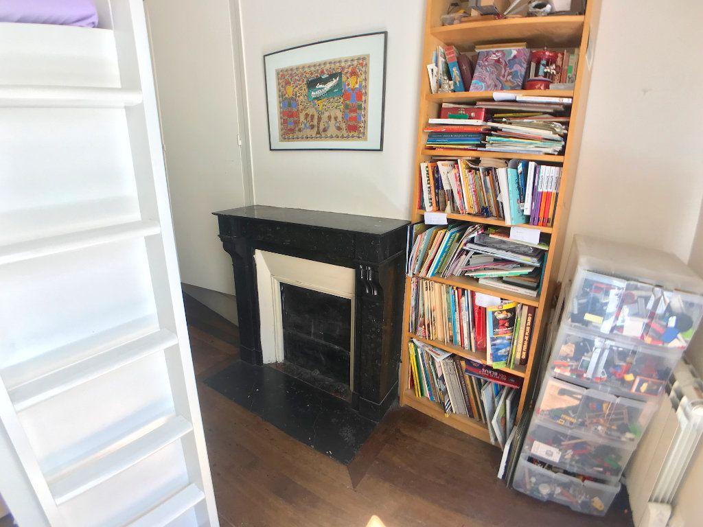 Appartement à vendre 3 46m2 à Paris 10 vignette-3