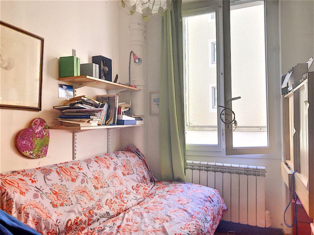 Appartement à vendre 3 46m2 à Paris 10 vignette-5