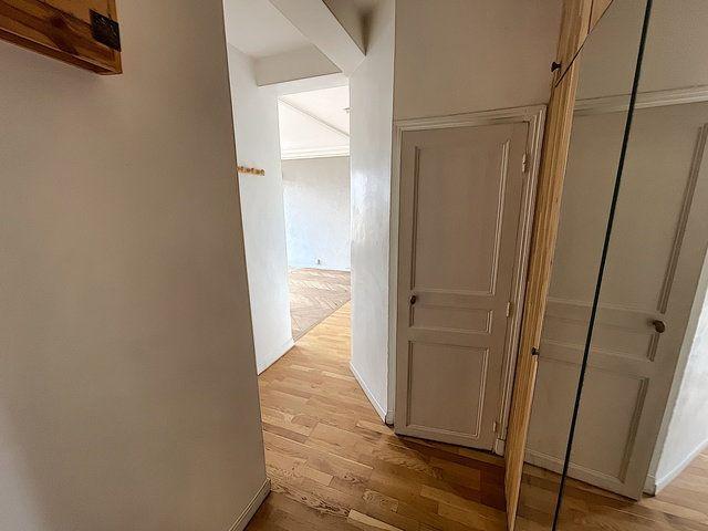 Appartement à vendre 2 46.82m2 à Paris 11 vignette-3