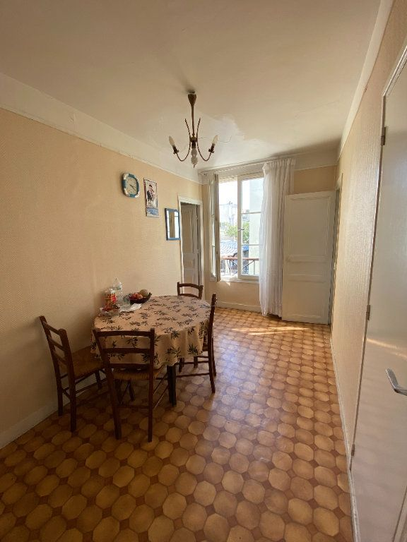 Appartement à vendre 2 25m2 à Paris 10 vignette-1