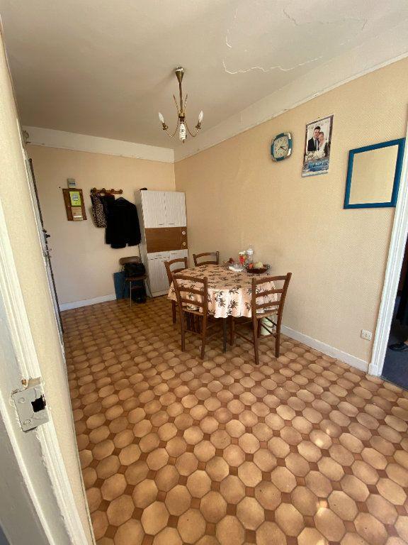 Appartement à vendre 2 25m2 à Paris 10 vignette-2