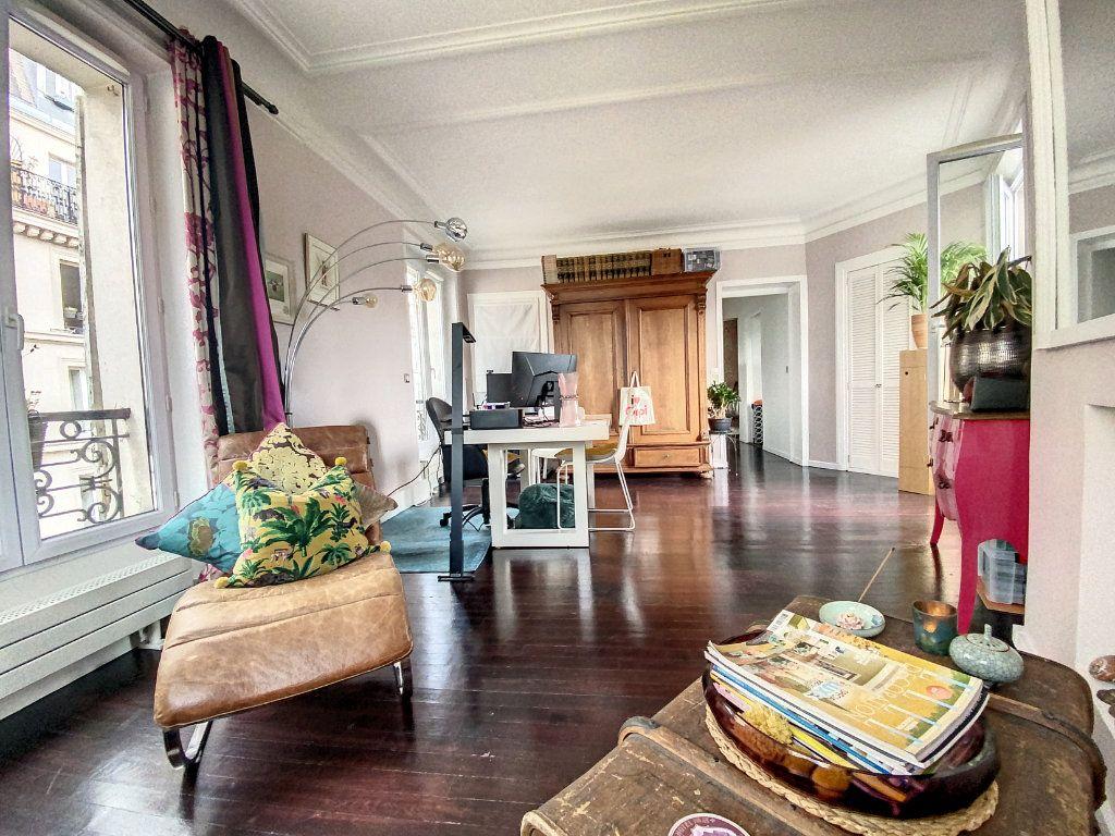 Appartement à vendre 2 45m2 à Paris 10 vignette-1