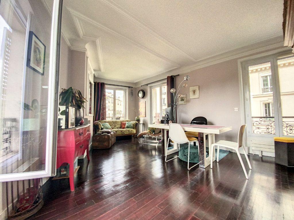 Appartement à vendre 2 45m2 à Paris 10 vignette-2