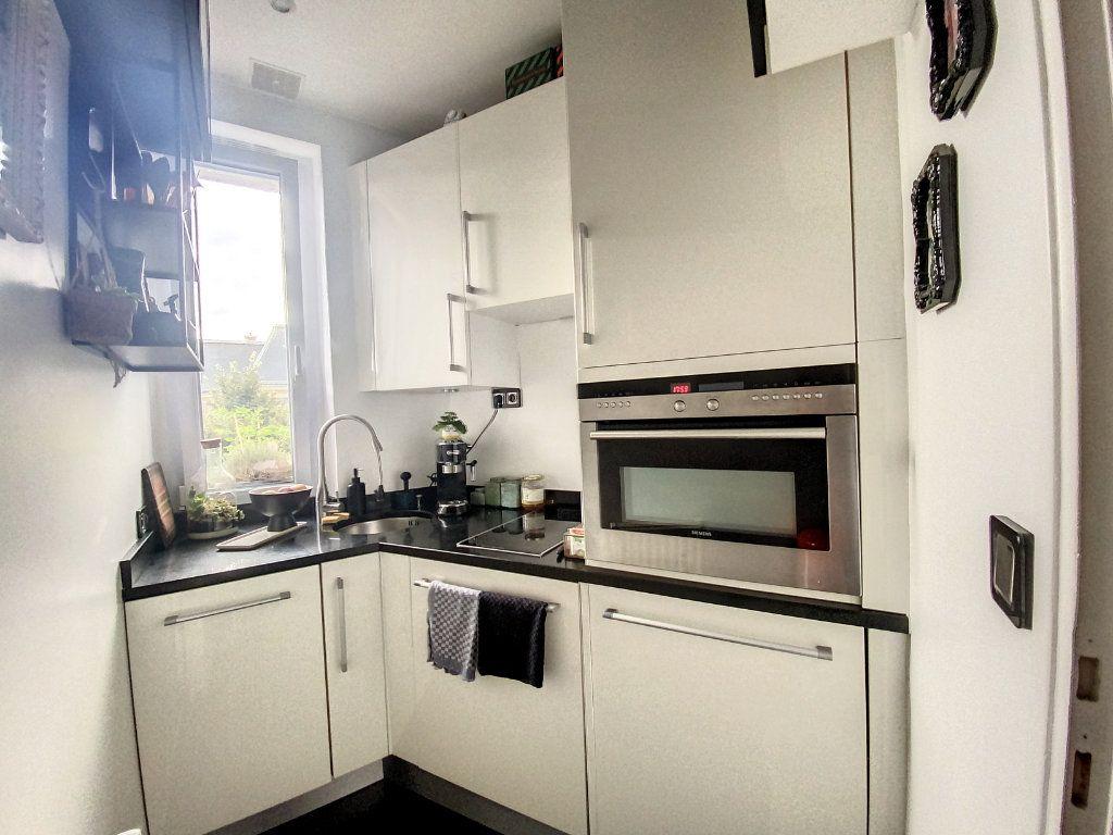 Appartement à vendre 2 45m2 à Paris 10 vignette-5