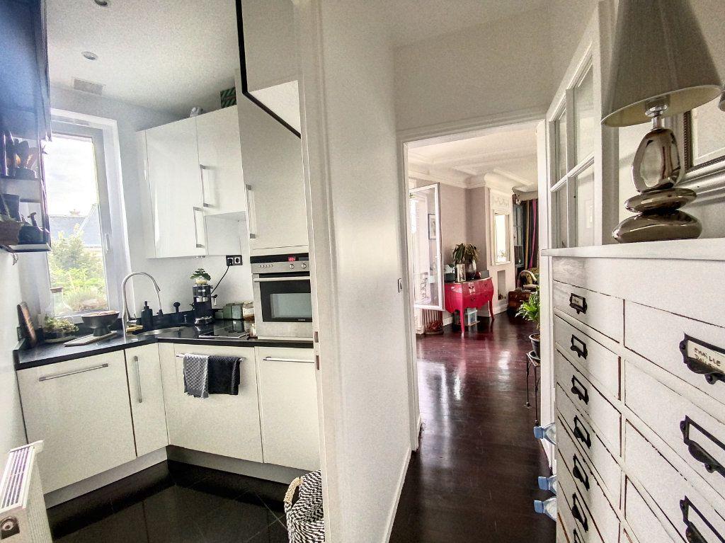 Appartement à vendre 2 45m2 à Paris 10 vignette-6