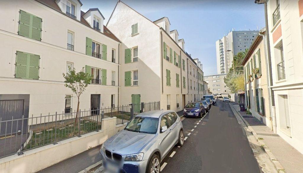 Appartement à louer 2 37m2 à Fontainebleau vignette-1