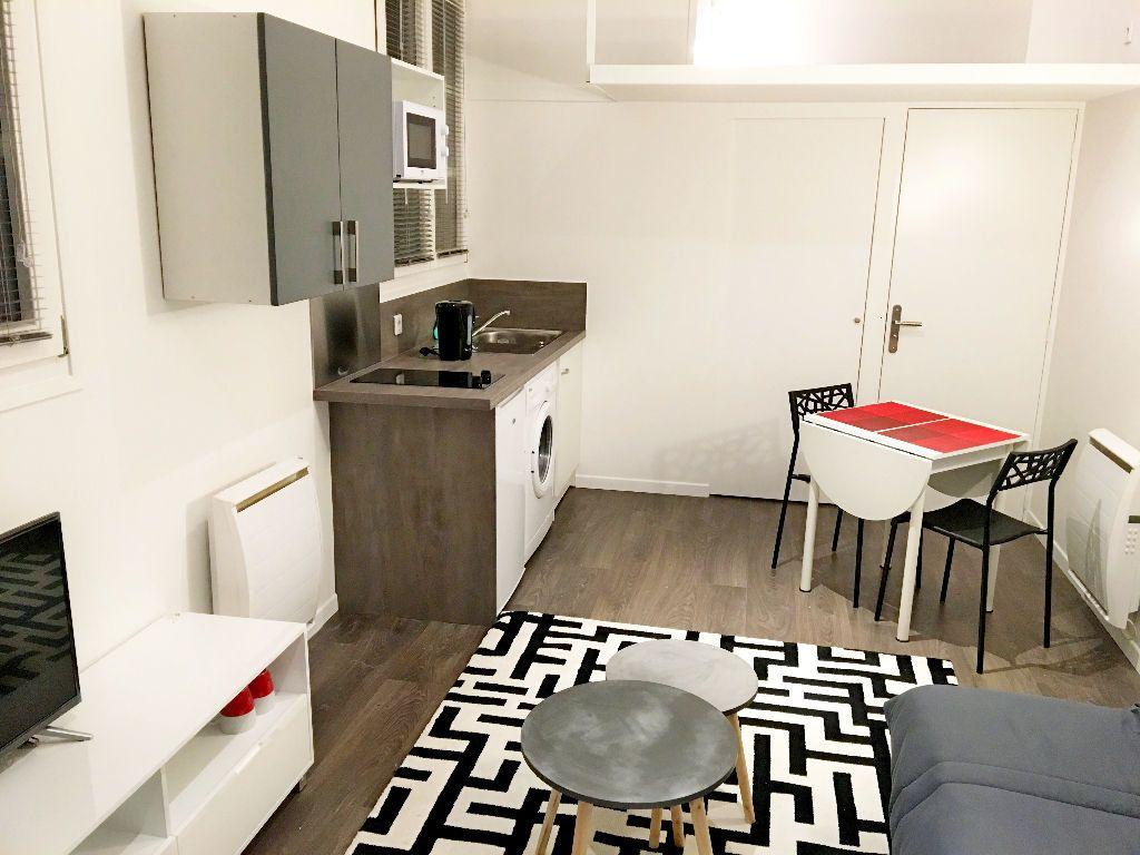 Appartement à louer 1 20m2 à Fontainebleau vignette-2