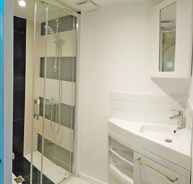 Appartement à louer 1 20m2 à Fontainebleau vignette-3