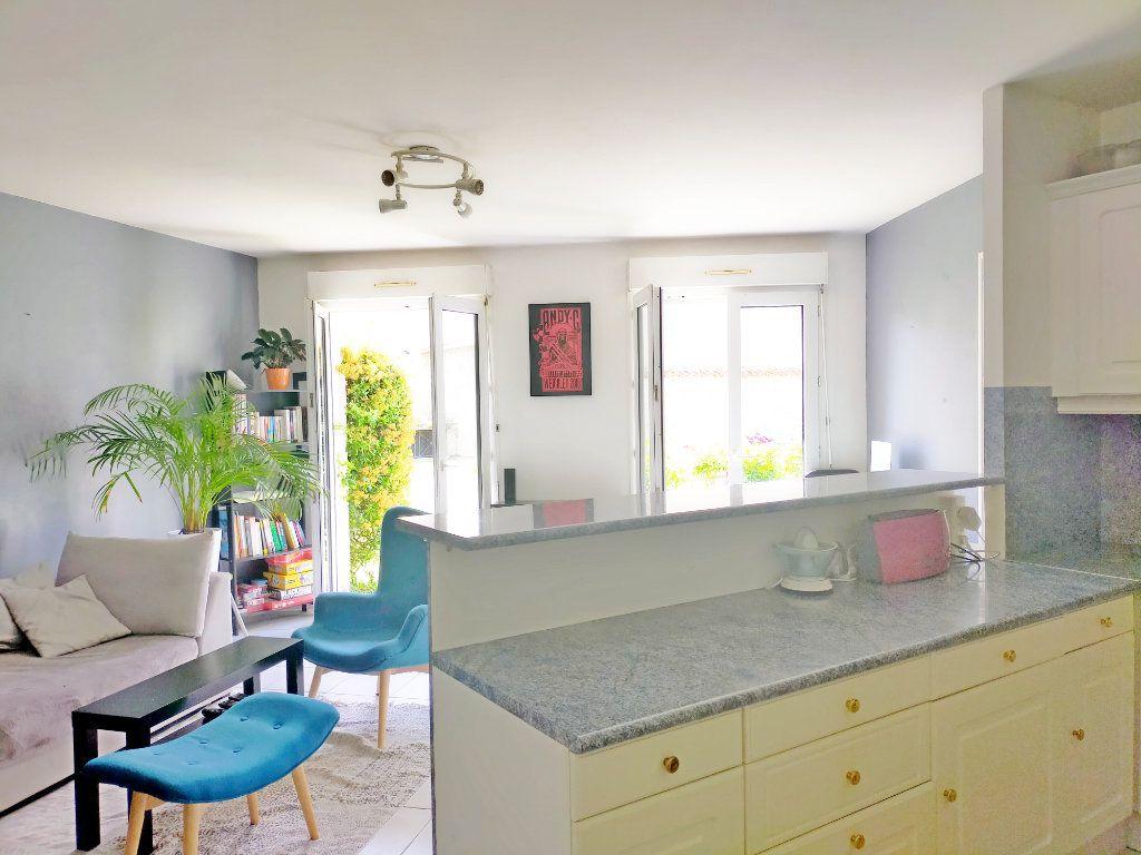 Appartement à louer 2 47m2 à Avon vignette-4