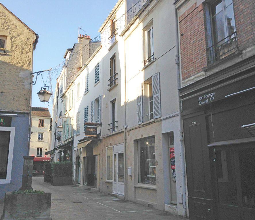 Appartement à louer 2 42.99m2 à Fontainebleau vignette-1