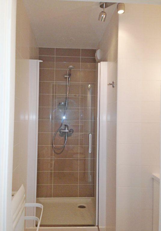 Appartement à louer 2 51m2 à Fontainebleau vignette-8