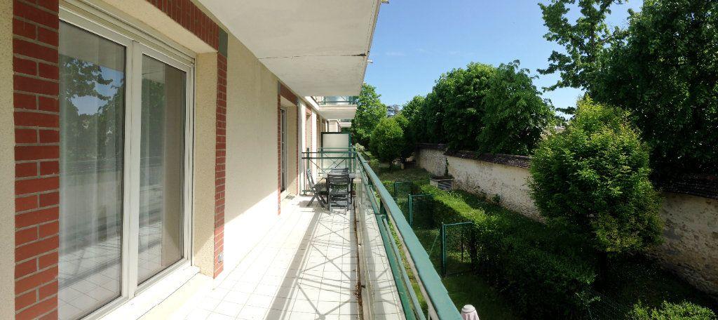 Appartement à louer 2 51m2 à Fontainebleau vignette-9
