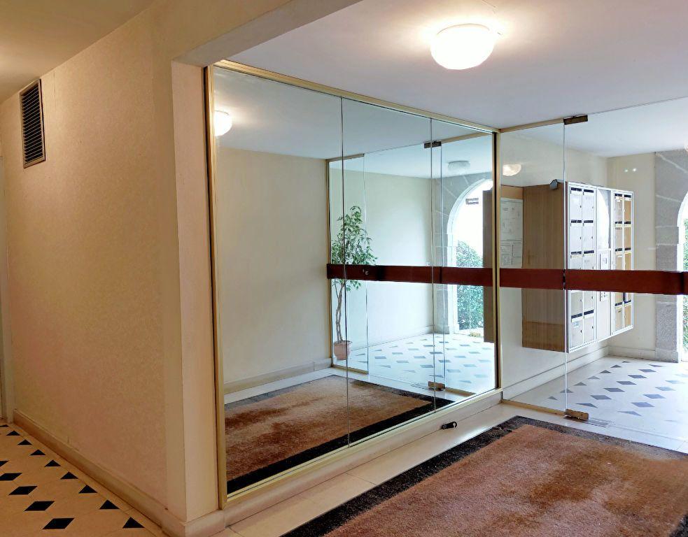 Appartement à louer 2 40.88m2 à Fontainebleau vignette-2