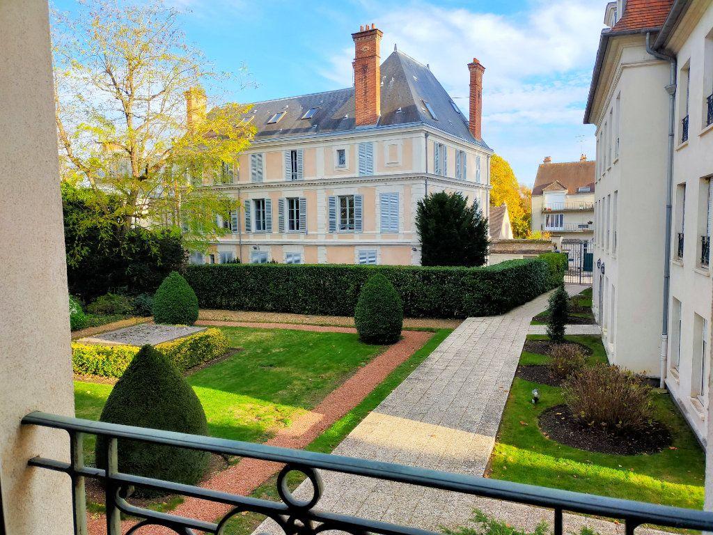 Appartement à louer 2 40.88m2 à Fontainebleau vignette-6