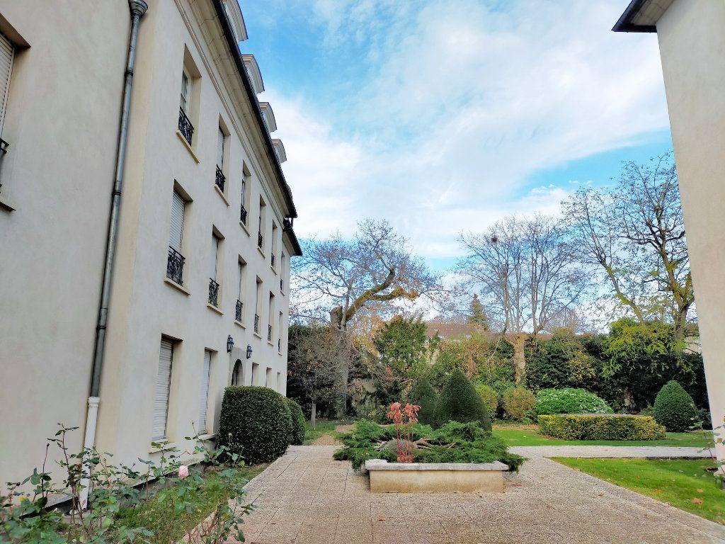 Appartement à louer 2 40.88m2 à Fontainebleau vignette-7