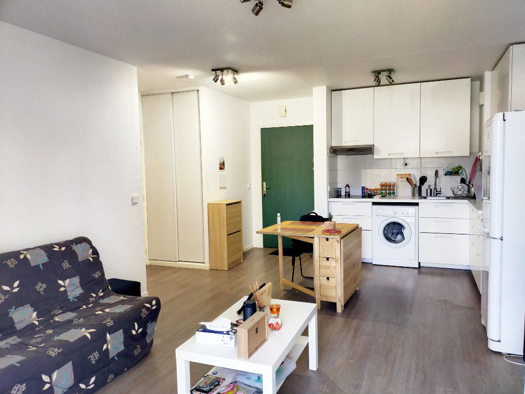 Appartement à louer 2 38m2 à Fontainebleau vignette-4