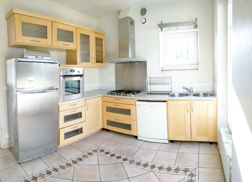 Maison à louer 4 115.82m2 à Veneux-les-Sablons vignette-4