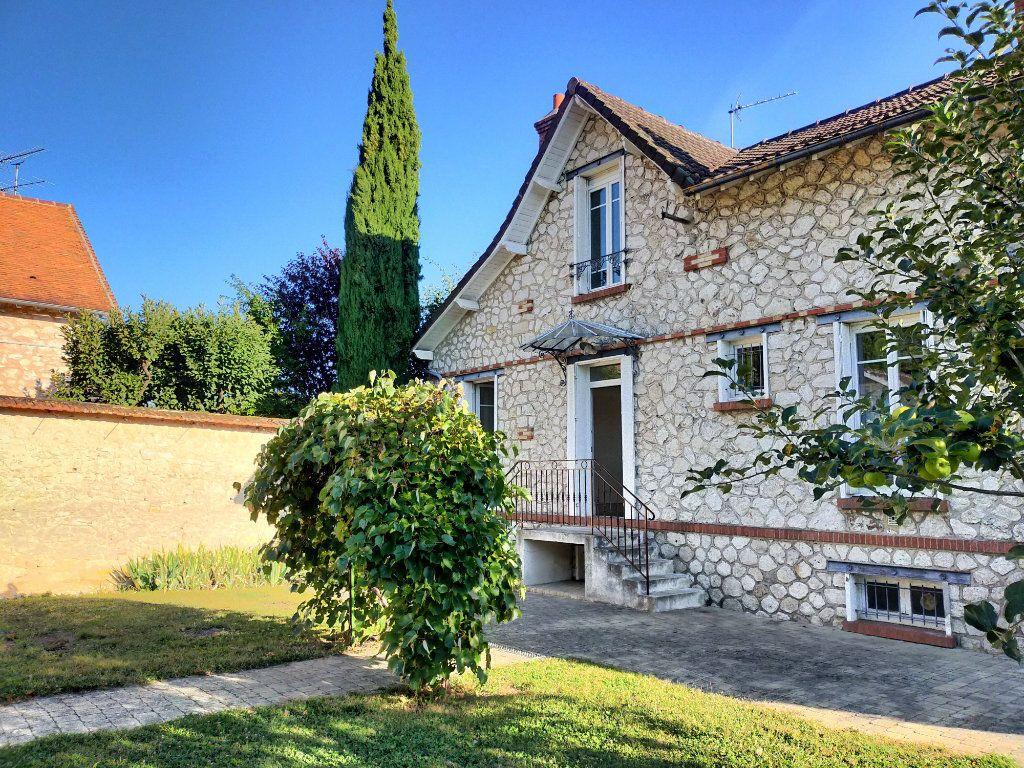Maison à louer 4 115.82m2 à Veneux-les-Sablons vignette-11