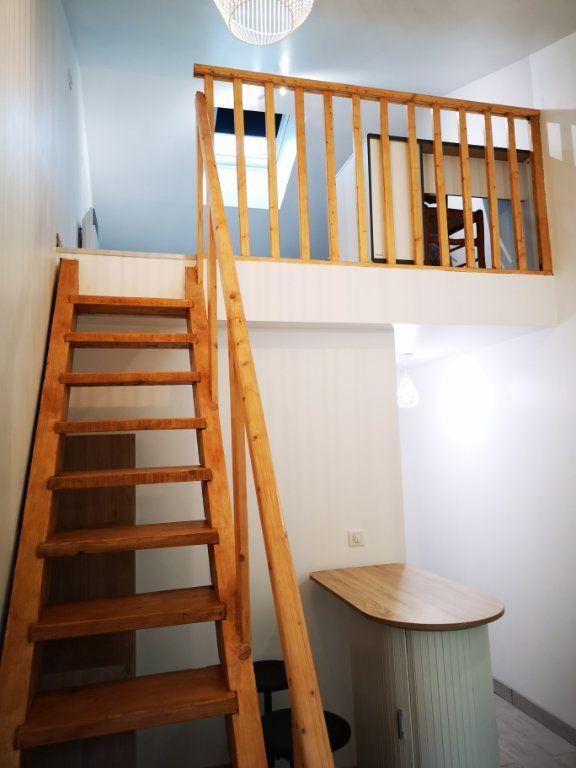 Appartement à louer 1 13.74m2 à Castelginest vignette-1