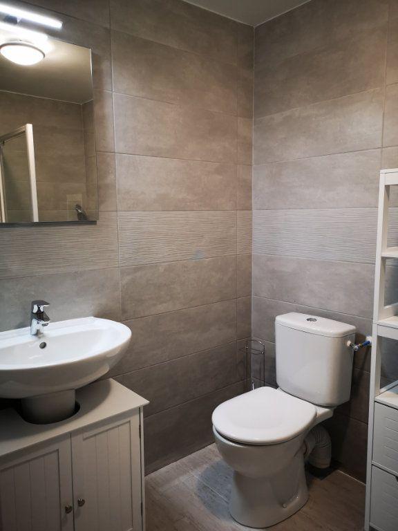 Appartement à louer 1 13.74m2 à Castelginest vignette-3