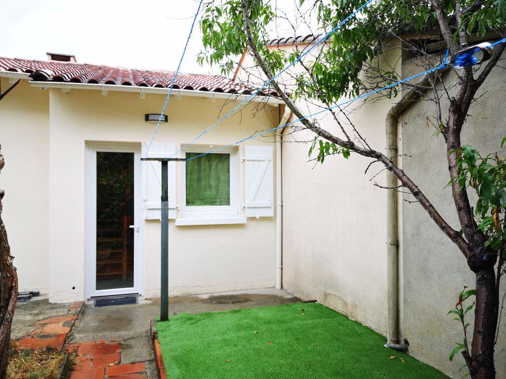 Appartement à louer 1 13.74m2 à Castelginest vignette-4