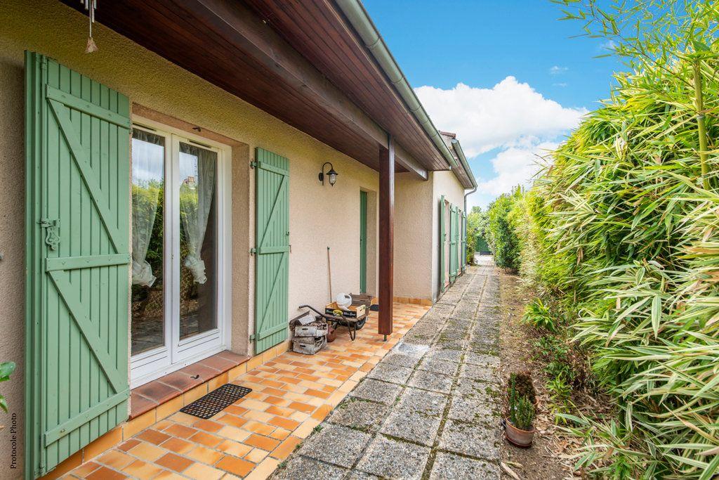 Maison à vendre 5 126m2 à Castelginest vignette-4