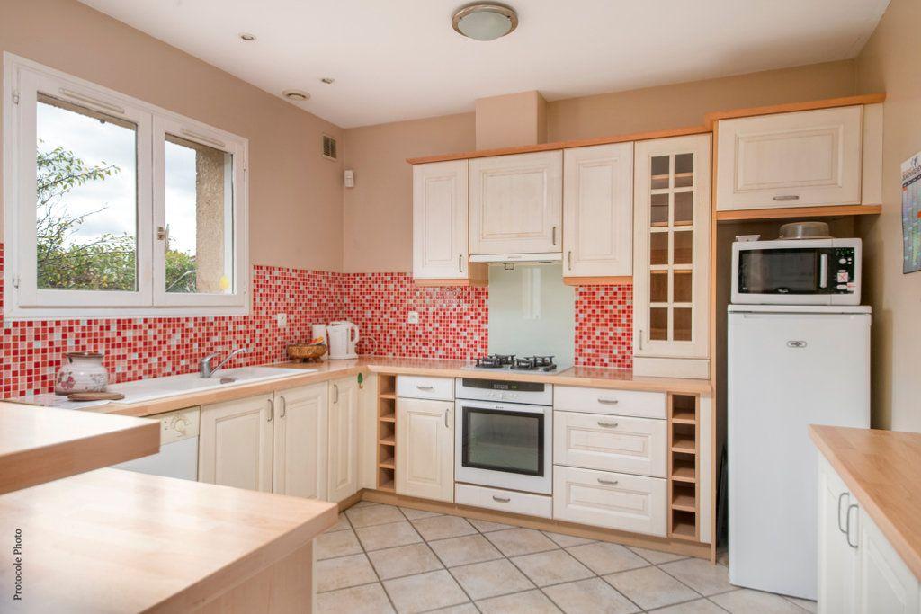 Maison à vendre 5 126m2 à Castelginest vignette-5
