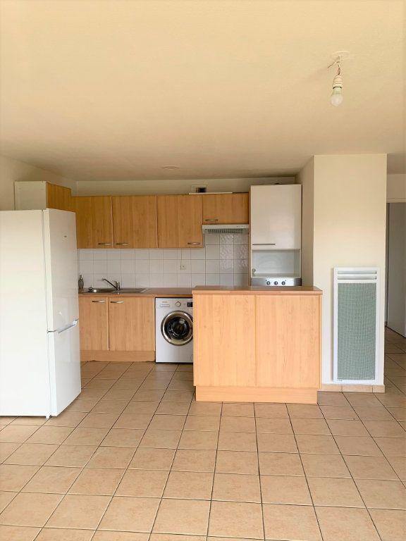 Appartement à louer 3 64m2 à Castelginest vignette-3