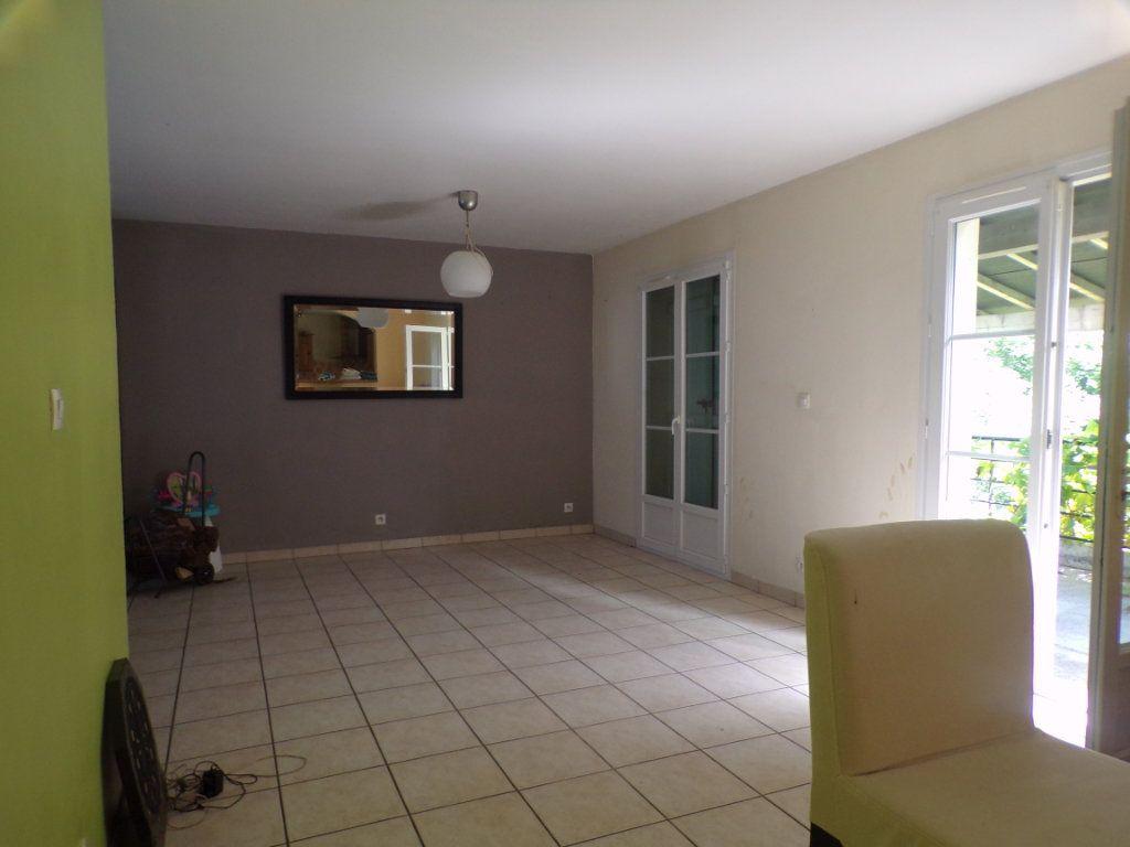 Maison à vendre 6 135m2 à Allemant vignette-3