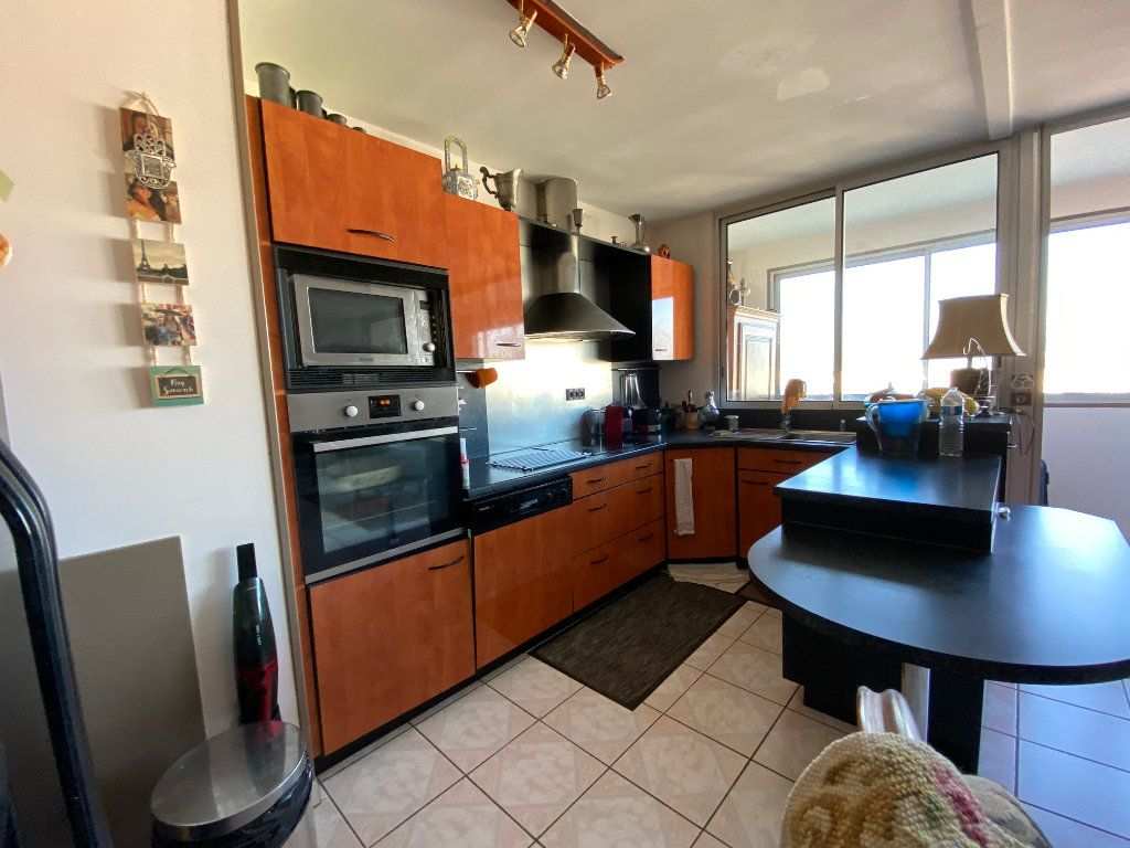 Appartement à vendre 4 83.6m2 à Charenton-le-Pont vignette-3