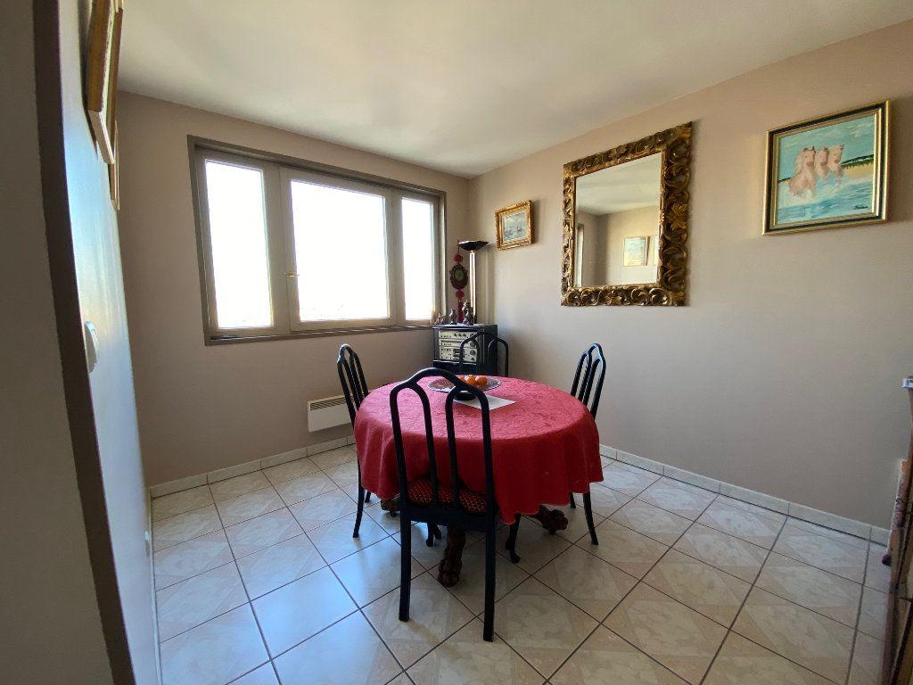Appartement à vendre 4 83.6m2 à Charenton-le-Pont vignette-4