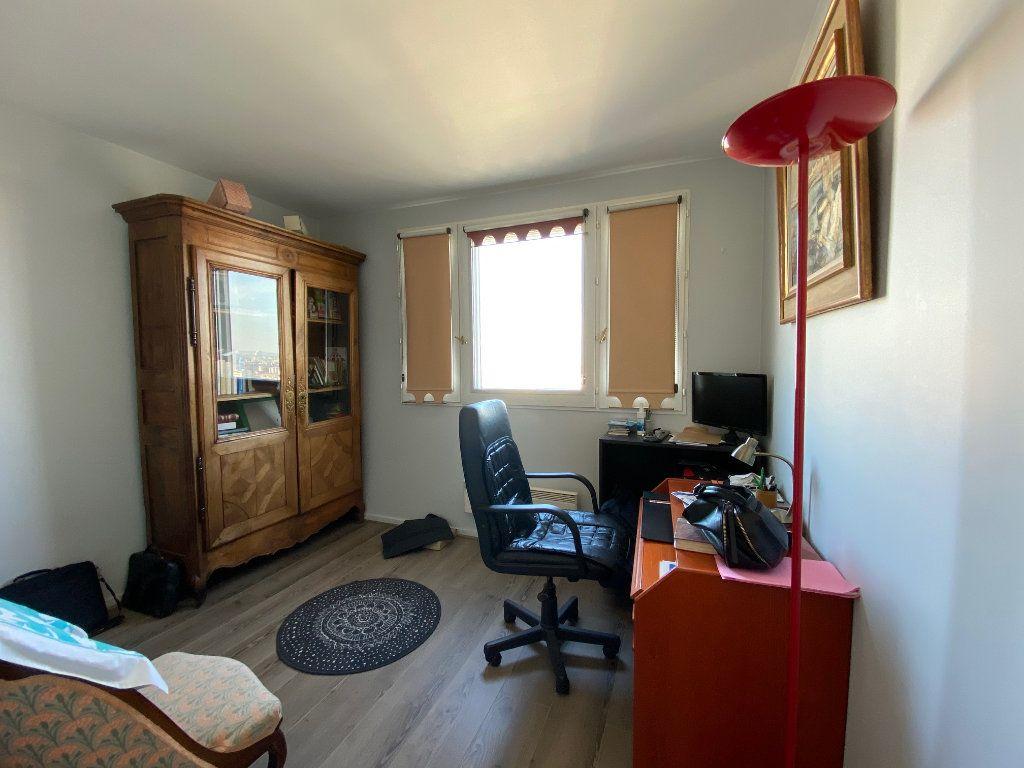 Appartement à vendre 4 83.6m2 à Charenton-le-Pont vignette-7