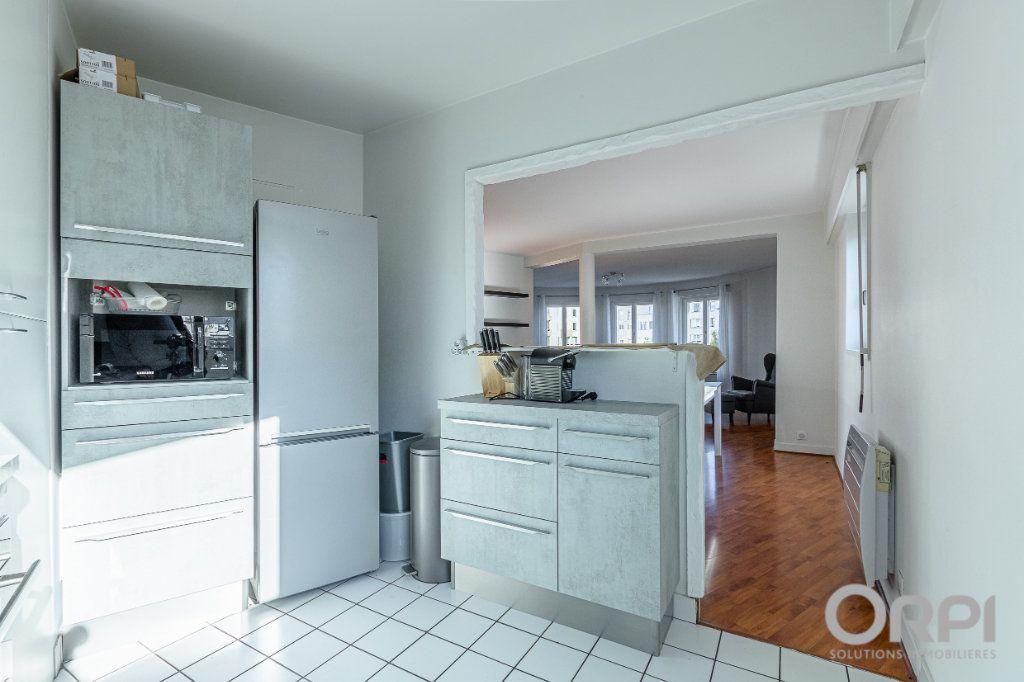 Appartement à vendre 5 103m2 à Charenton-le-Pont vignette-4