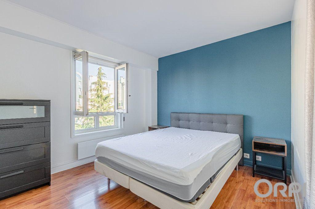 Appartement à vendre 5 103m2 à Charenton-le-Pont vignette-7