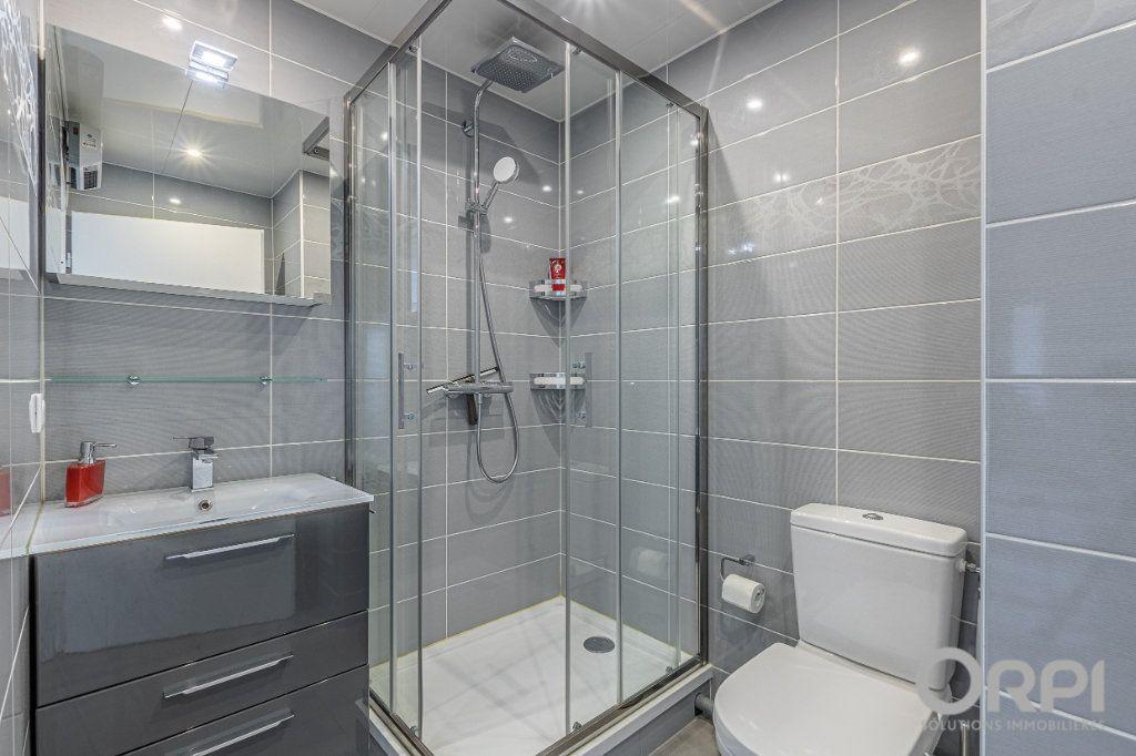 Appartement à vendre 5 103m2 à Charenton-le-Pont vignette-10