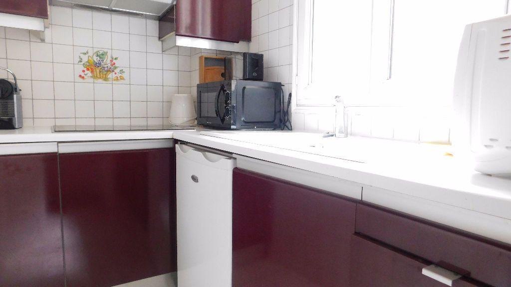 Appartement à louer 2 33m2 à Paris 18 vignette-4