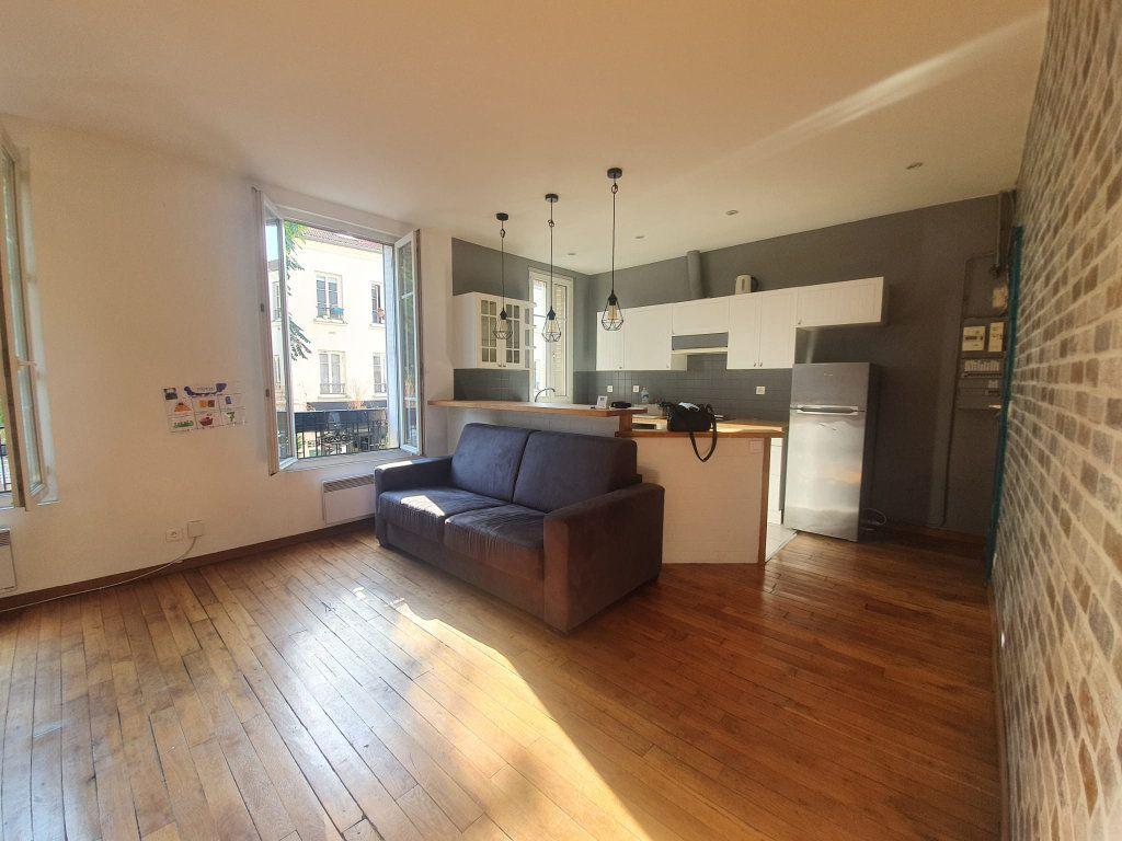 Appartement à louer 2 48m2 à Saint-Maurice vignette-3