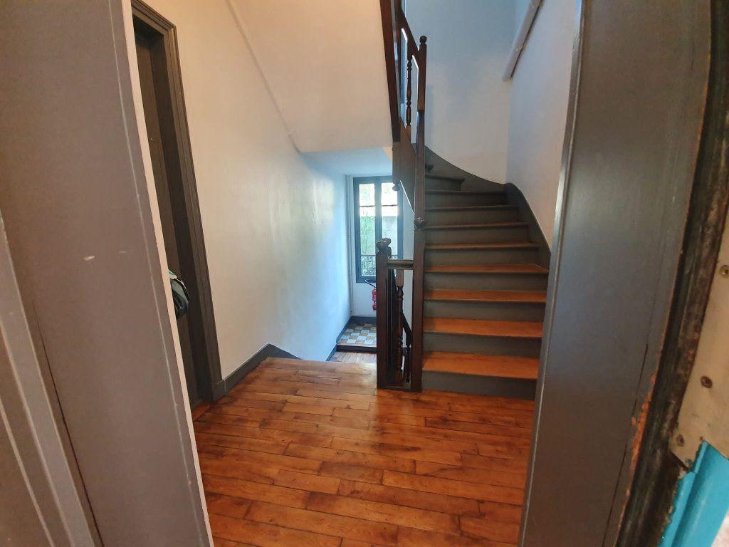 Appartement à louer 2 48m2 à Saint-Maurice vignette-4