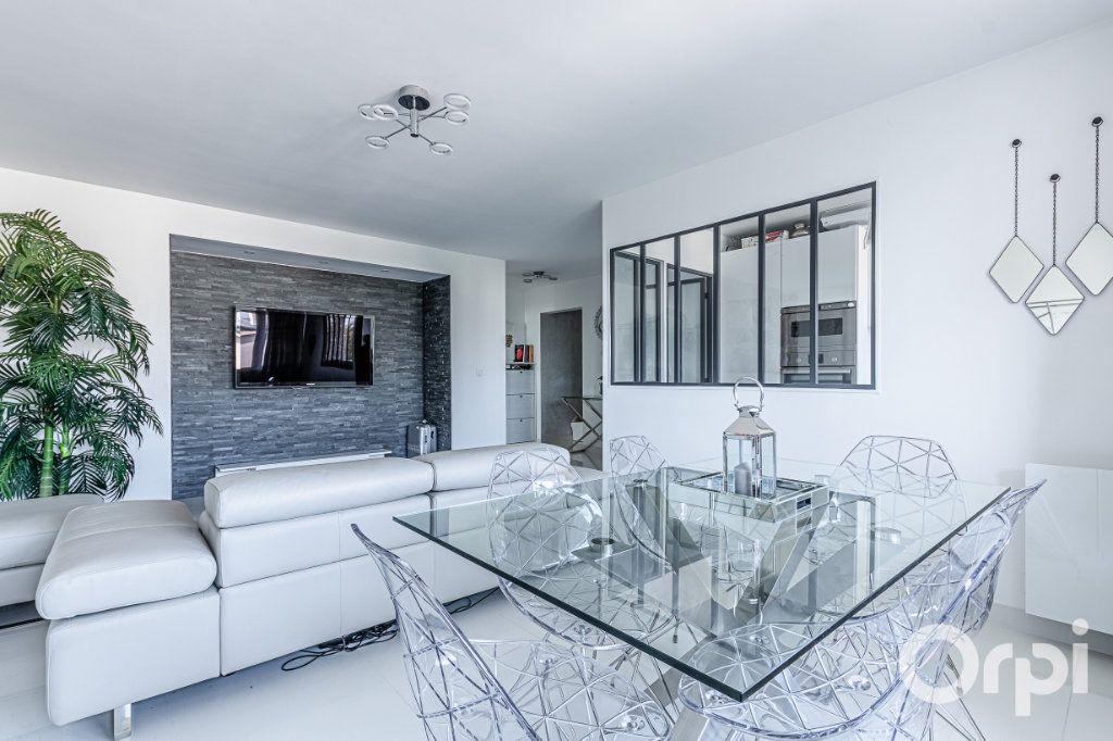 Appartement à vendre 4 84m2 à Charenton-le-Pont vignette-3