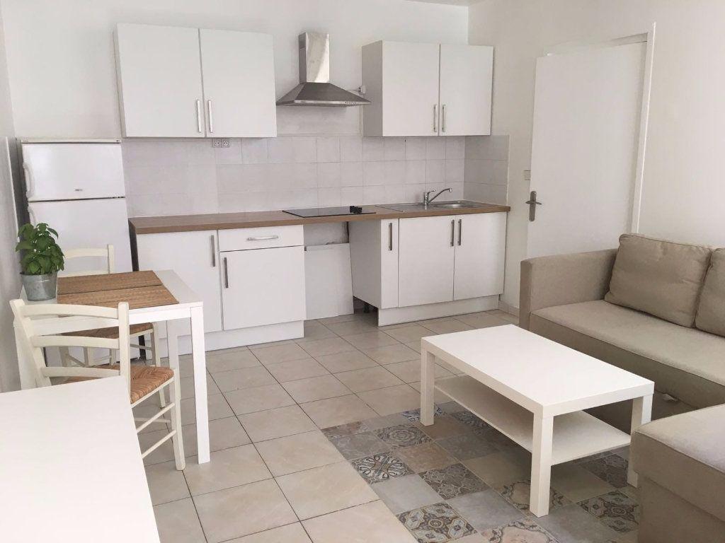 Appartement à louer 2 33m2 à Charenton-le-Pont vignette-1