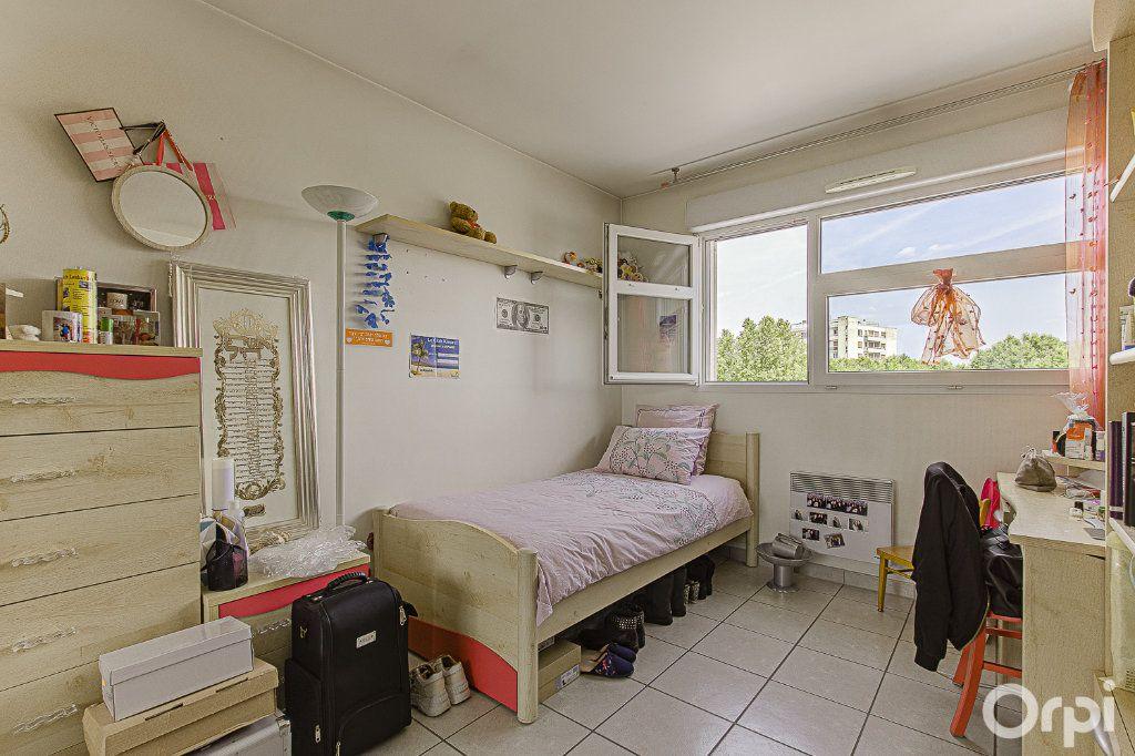 Appartement à vendre 5 109m2 à Joinville-le-Pont vignette-5