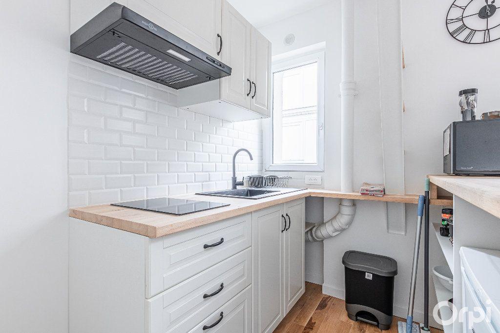 Appartement à louer 2 33m2 à Paris 17 vignette-9
