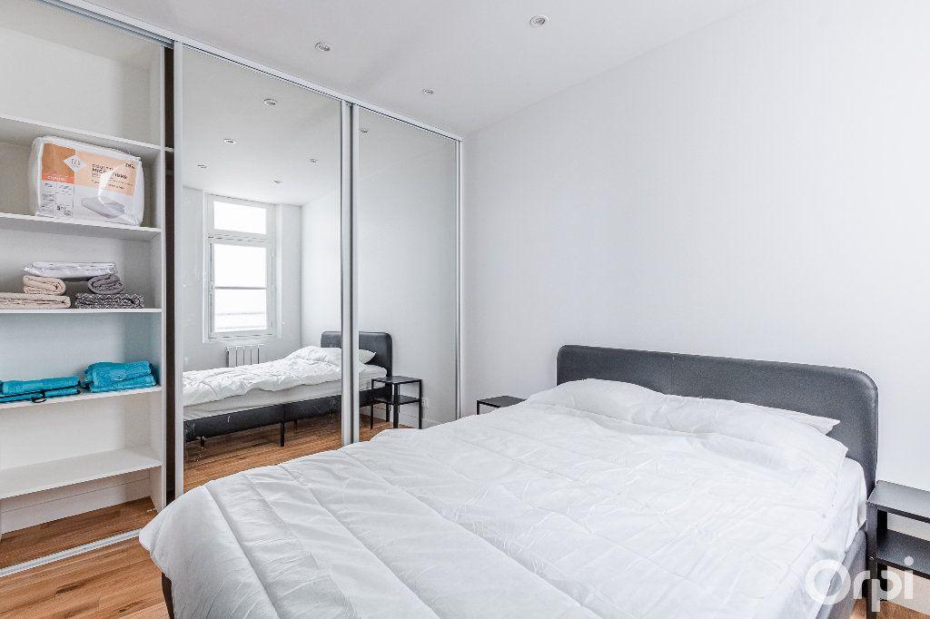 Appartement à louer 2 33m2 à Paris 17 vignette-10