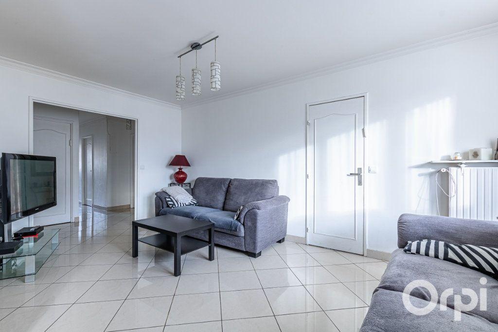 Appartement à vendre 5 93m2 à Pantin vignette-3