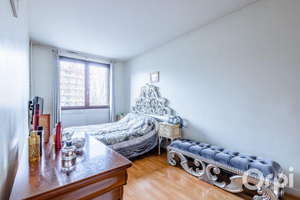 Appartement à vendre 5 93m2 à Pantin vignette-9