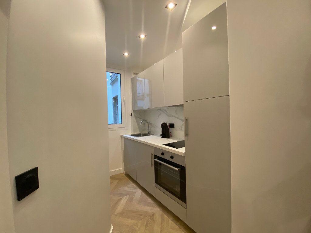 Appartement à louer 2 29.45m2 à Paris 16 vignette-2