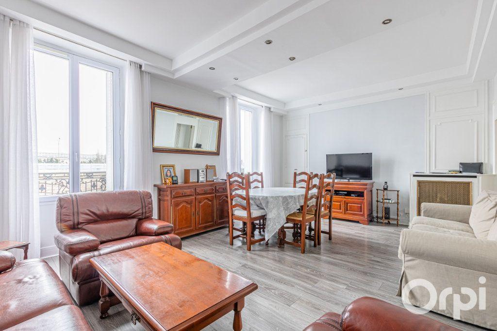 Appartement à vendre 3 67m2 à Paris 19 vignette-3