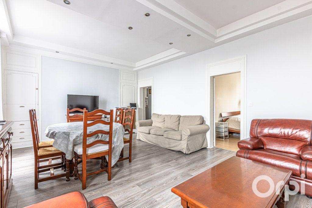 Appartement à vendre 3 67m2 à Paris 19 vignette-4