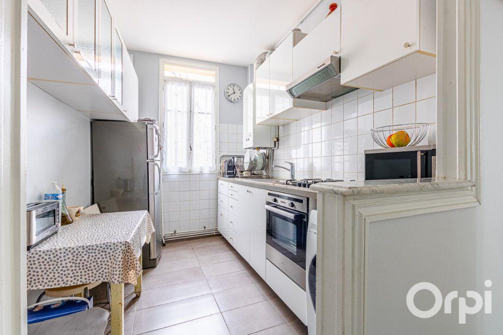 Appartement à vendre 3 67m2 à Paris 19 vignette-8